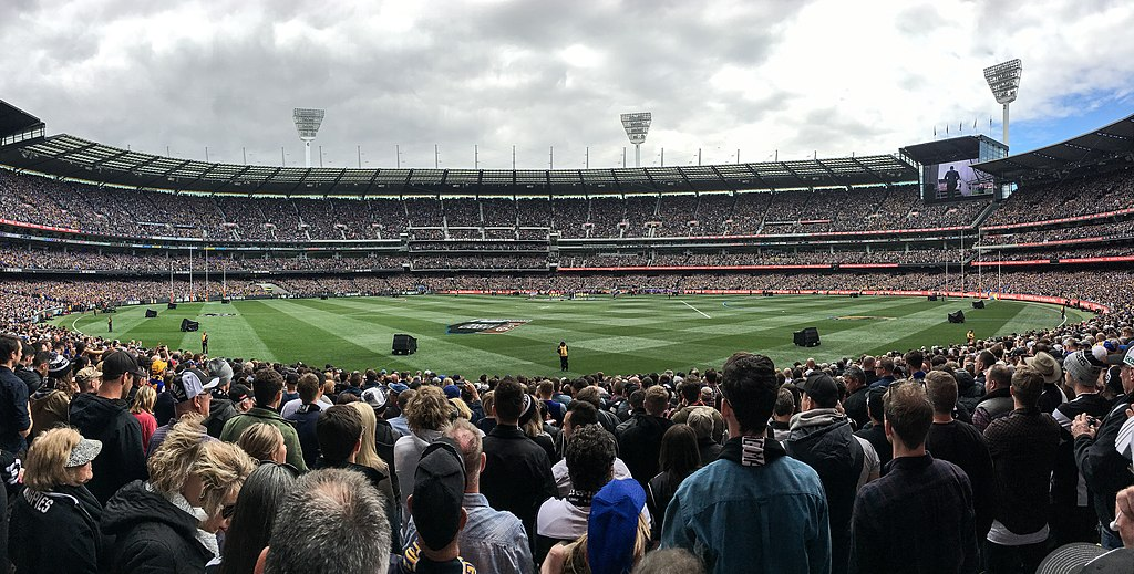 By Flickerd // https://commons.wikimedia.org/wiki/File:2018_AFL_Grand_Final_panorama.jpg // CC BY-SA (https://creativecommons.org/licenses/by-sa/4.0)